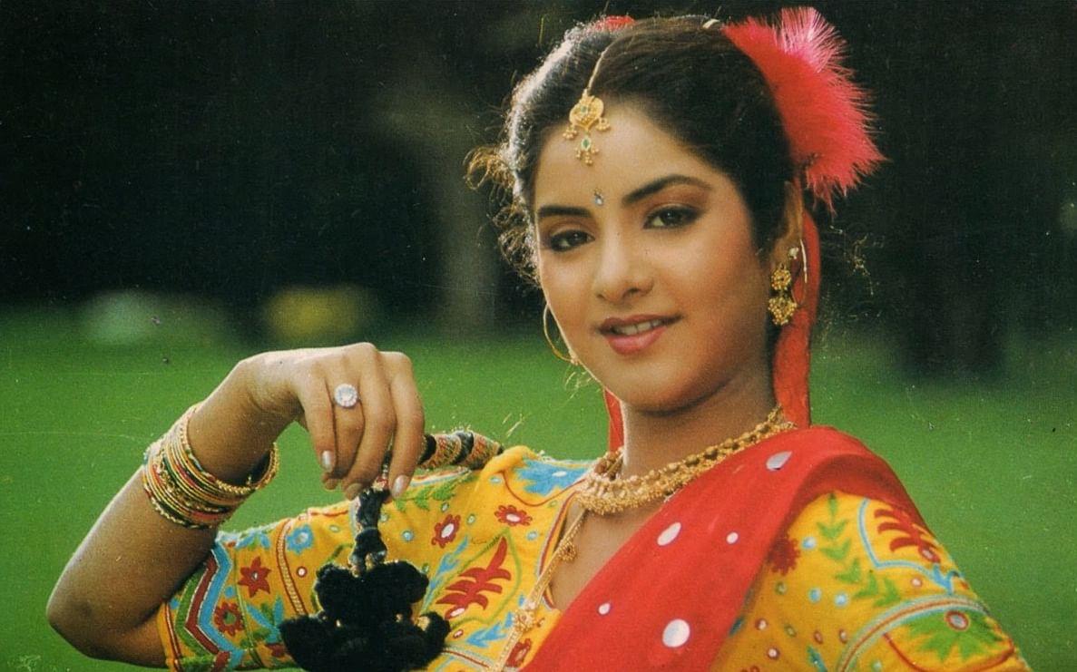 Divya Bharti made her debut in the Telugu film <i>Bobili Raja </i>with Venkatesh&nbsp;