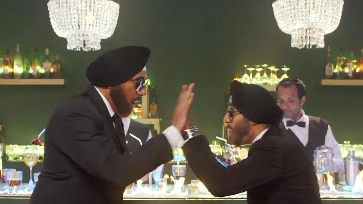 "Boman Irani (left) and Vir Das (right) in the <i>Santa Banta Pvt Ltd</i> trailer. (Photo Courtesy: <a href=""https://www.youtube.com/watch?v=IpPiM8-1Ss4"">YouTube/Viacom18MotionPictures</a>)"