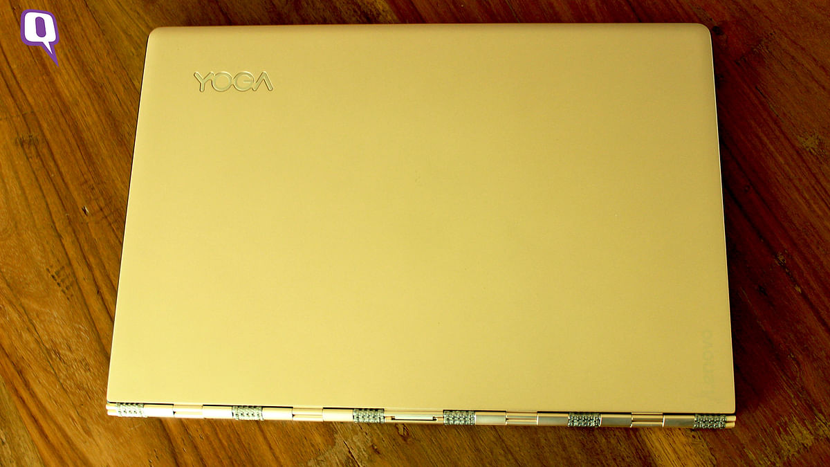 Lenovo Yoga 900 comes in gold-coloured variant. (Photo: <b>The Quint</b>)
