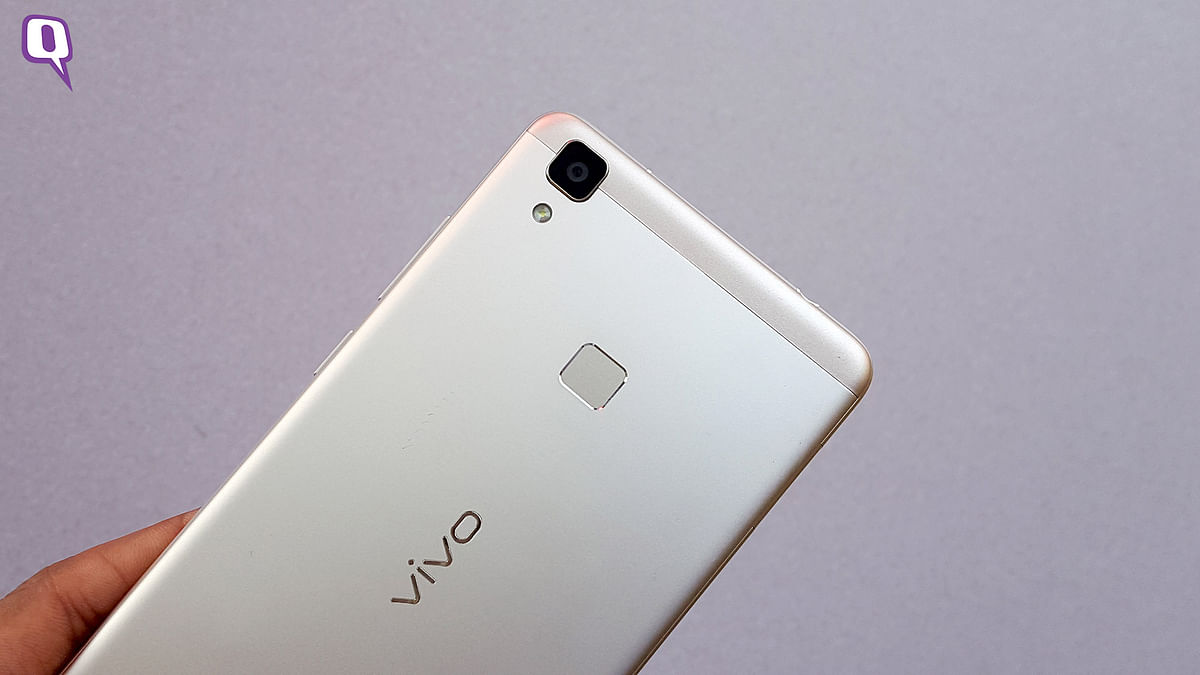 The fingerprint scanner at the back of Vivo V3 Max. (Photo: <b>The Quint</b>)