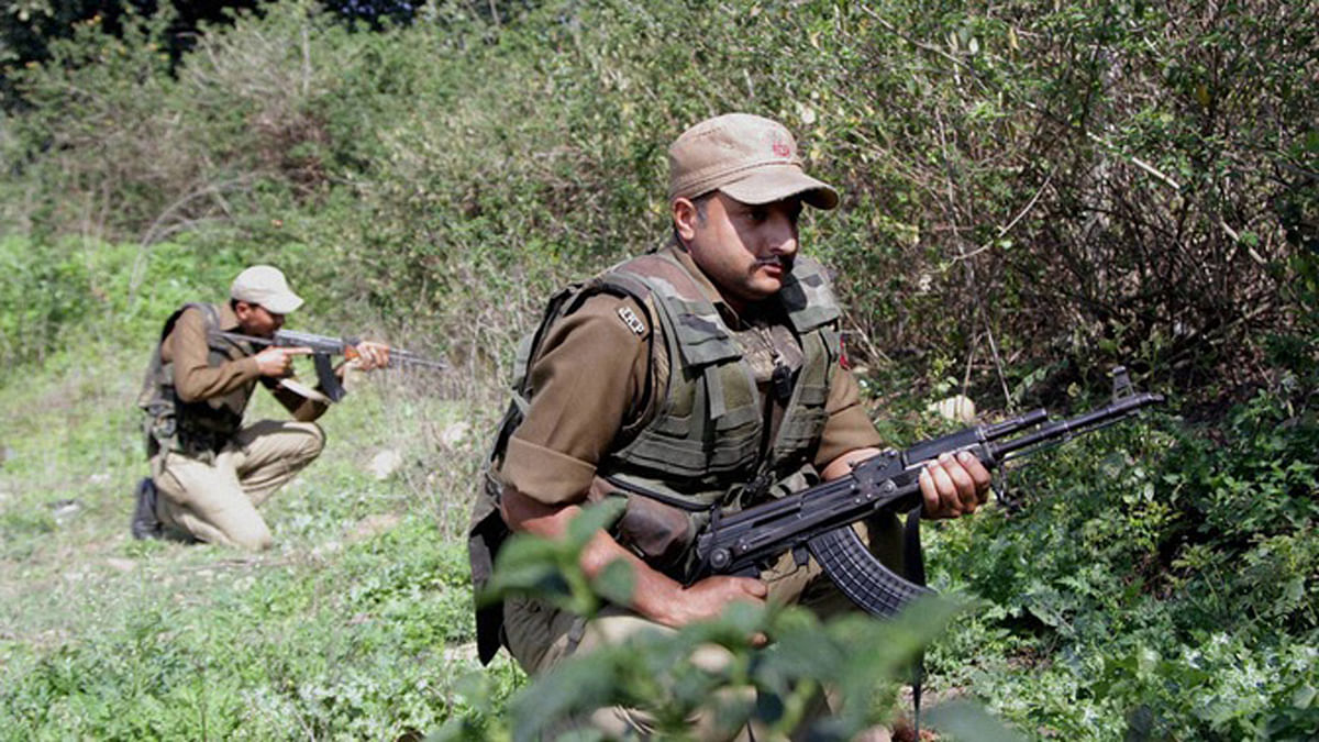 Indian armed forces taking their positions during an encounter. (Photo: PTI)