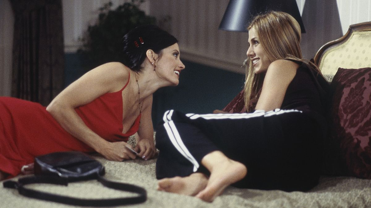 Monica and Rachel epitomise the most iconic roommate relationship. (Photo Courtesy: YouTube screenshot)