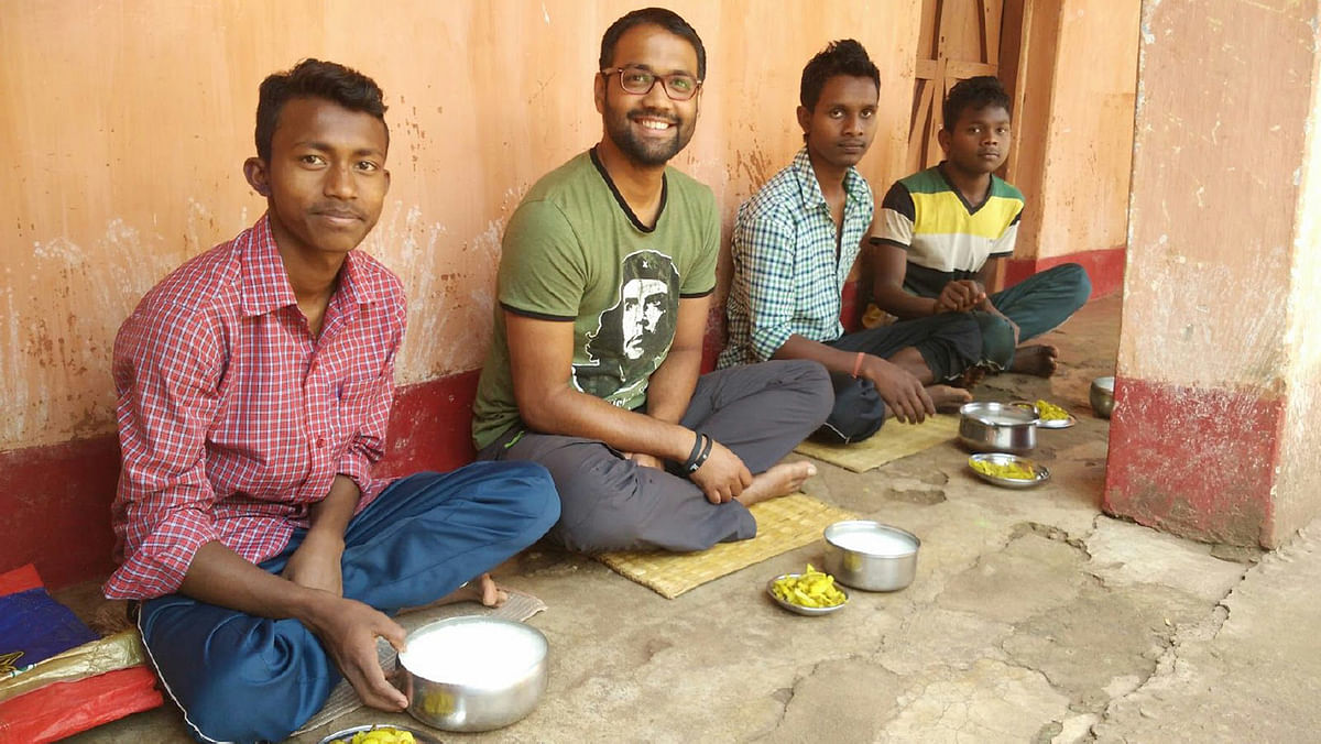 At Adivasi Ekta Samiti, Serenda Barbil, I would share hearty meals of 'paani bhat' with some of the 800 plus tribal students who reside and study here. (Photo Courtesy: Ankush Vengurlekar)