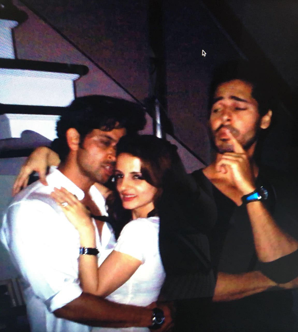 Hrithik Roshan posing with his ex-wife Sussanne Khan
