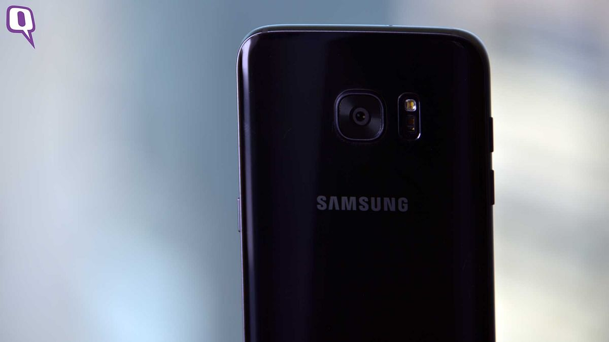 The 12 megapixel rear camera on the Galaxy S7 Edge.&nbsp;(Photo: <b>The Quint</b>)