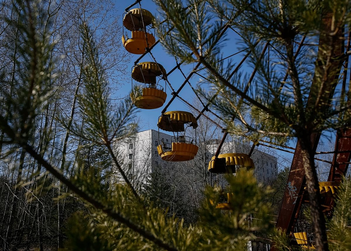 White apartment buildings with modern fittings, tree-boulevards, recreational parks, and the iconic amusement park with the Ferris wheel, all lay in tragic abandon. (Photo: Reuters)