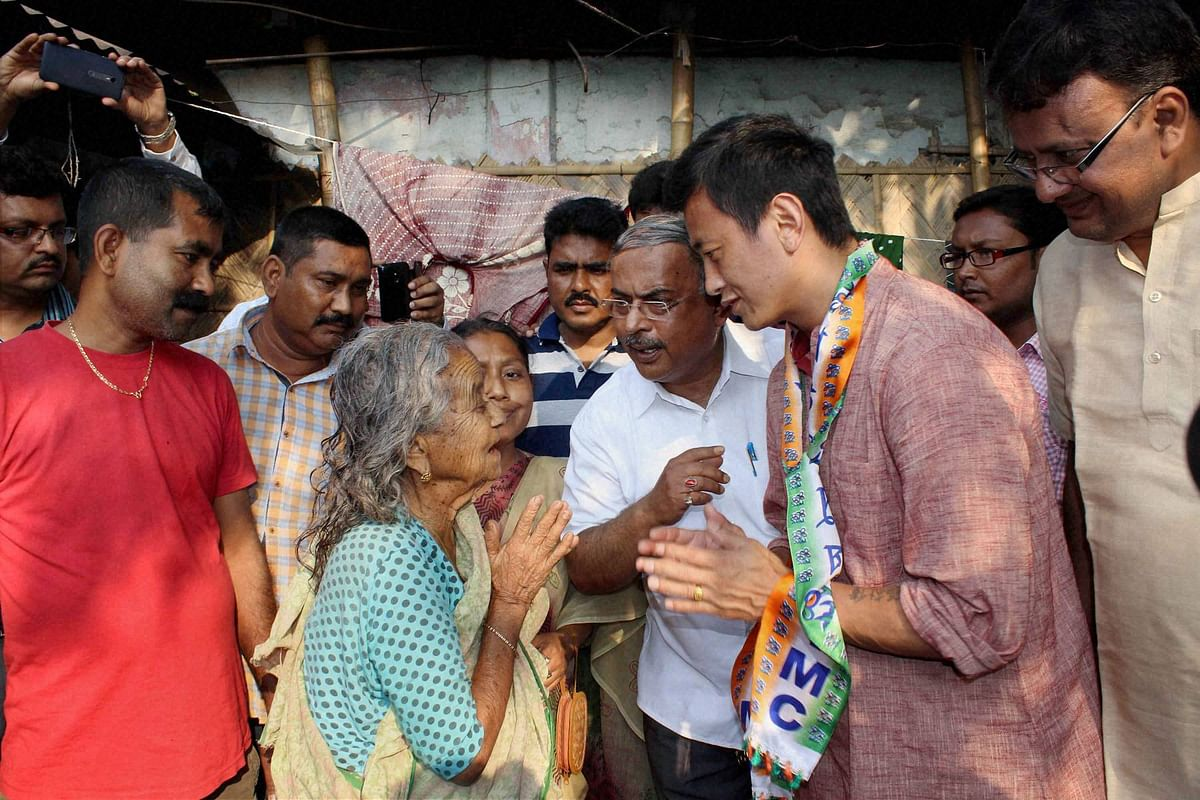 Bhaichung Bhutia during his campaign rally in Siliguri in Northern West Bengal.  (Photo: <b>The Quint</b>)