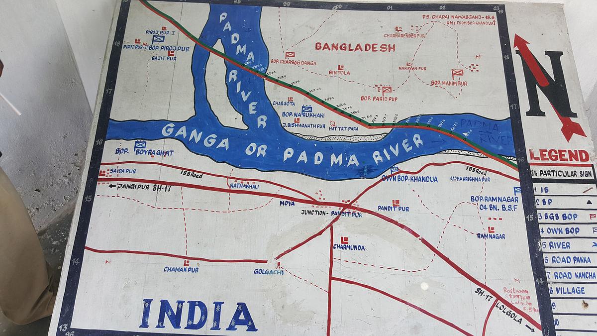 A Border Security Force sketch of the riverine border landscape, at a Khandua checkpost in Murshidabad. (Photo: Chandan Nandy/ <b>The Quint</b>)
