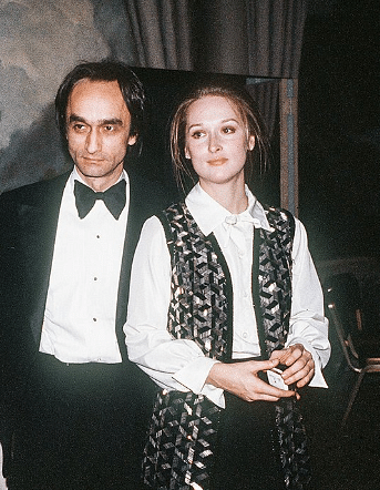 John Cazale and Meryl Streep during a 75th birthday party For Lee Strasberg (Photo courtesy: Twitter)