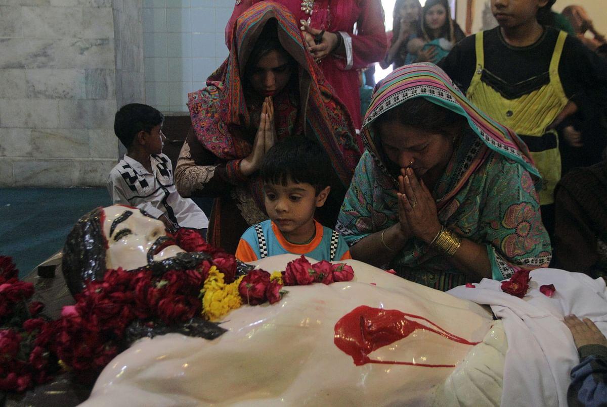 Pakistani Muslims pray on Good Friday in Pakistan. (Photo: AP)