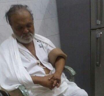 "Chhagan Bhujbal at a hospital on Monday. (Photo Courtesy: <a href=""https://twitter.com/news_houndz"">twitter.com/news_houndz</a>)"