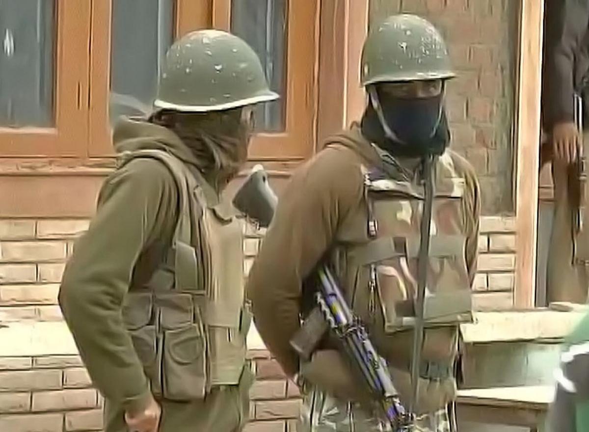 CRPF personnel outside NIT Srinagar. (Photo Courtesy: ANI)