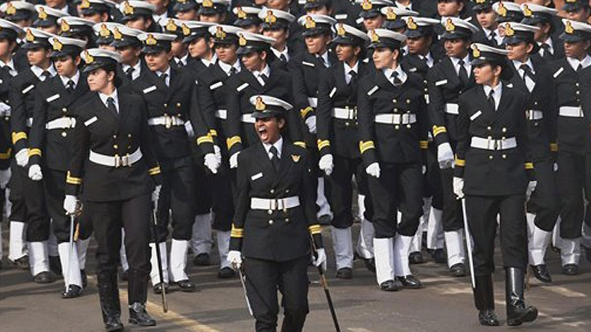 Navy Reinstates Three Women Officers for Permanent Commission