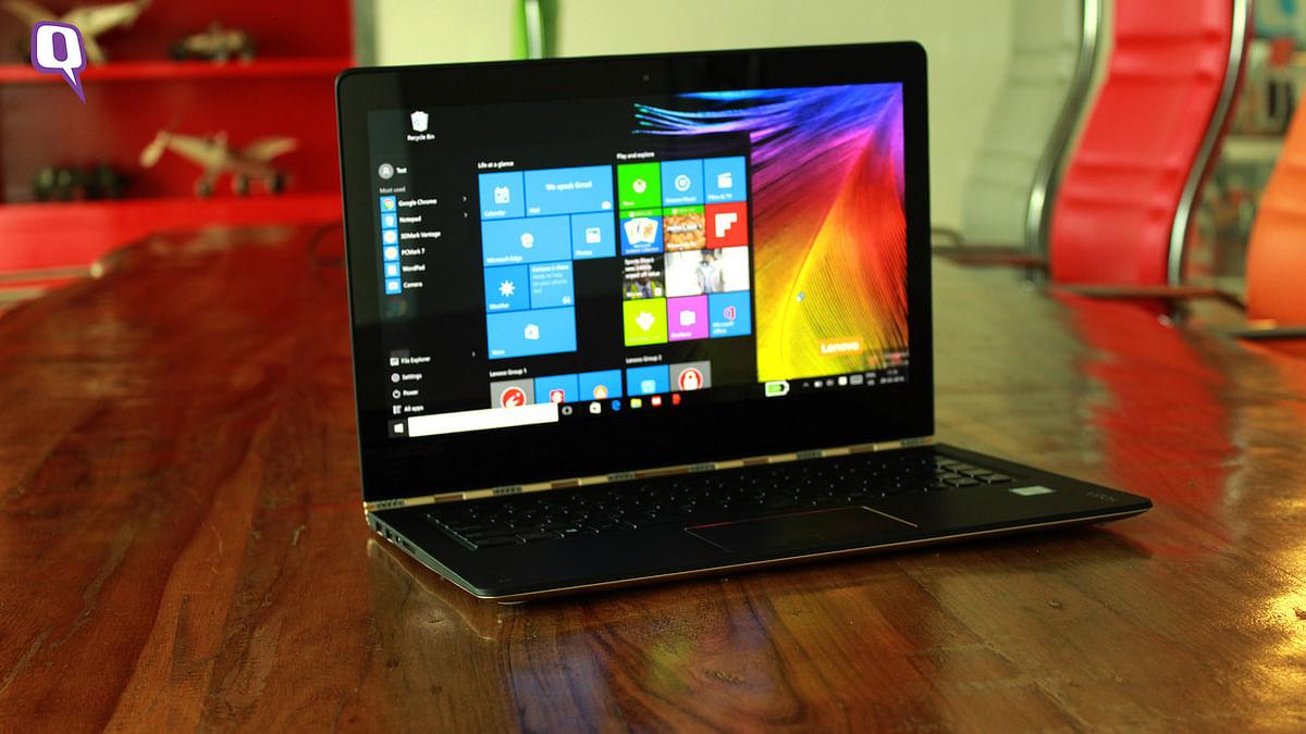 Lenovo Yoga 900 offers a 13.3-inch Quad-HD display. (Photo: <b>The Quint</b>)