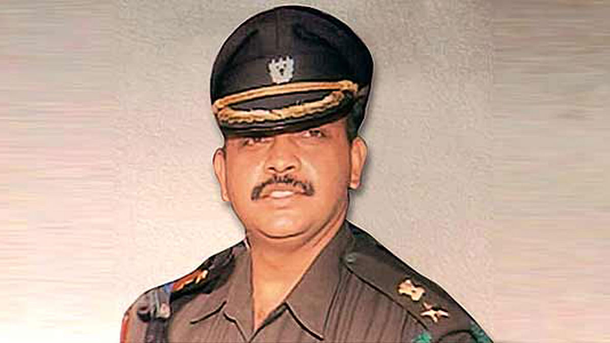 """Lt Col Purohit still faces MCOCA but the case against him stands considerably weakened. (Photo Courtesy: <a href=""""http://photogallery.outlookindia.com/images/gallery/20120628/lt_col_prasad_shrikant_purohit_550_20120709.jpg"""">Outlook Magazine</a>)"""