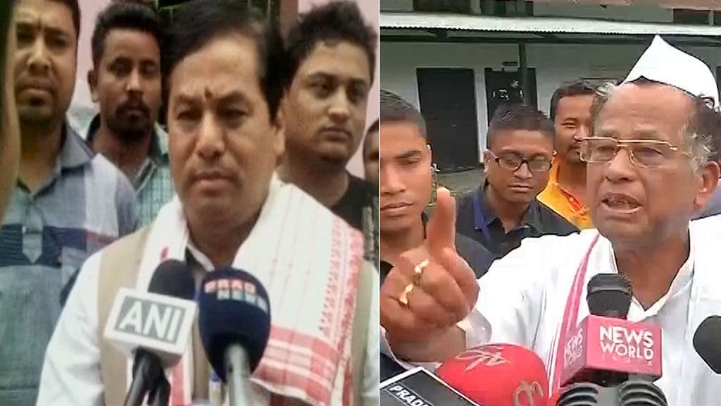 Assam BJP CM candidate Sonowal and CM Tarun Gogoi at polling booths in Assam during first phase of Assam Assembly election 2016. (Photo: ANI screengrab)