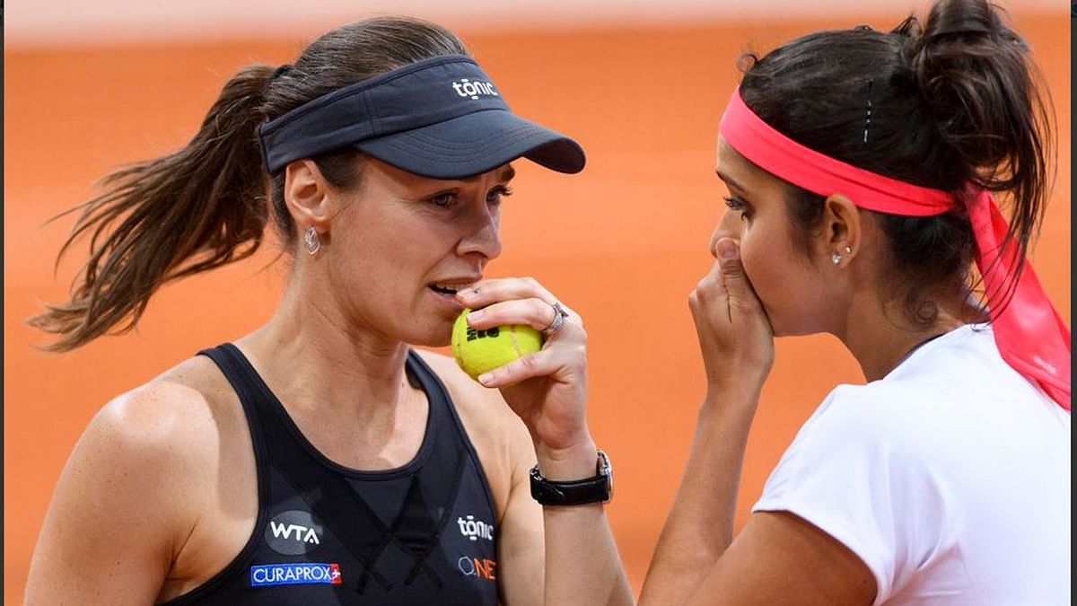 """Sania Mirza and Hingis during the match (Photo: Twitter/<a href=""""https://twitter.com/MutuaMadridOpen"""">@MutuaMadridOpen</a>)"""