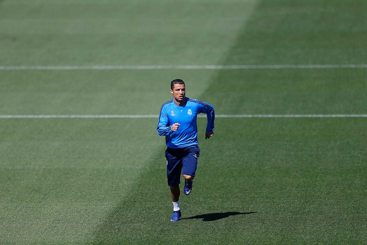 Real Madrid's Cristiano Ronaldo runs during a training session at the team's Valdebebas training ground. (Photo: AP)