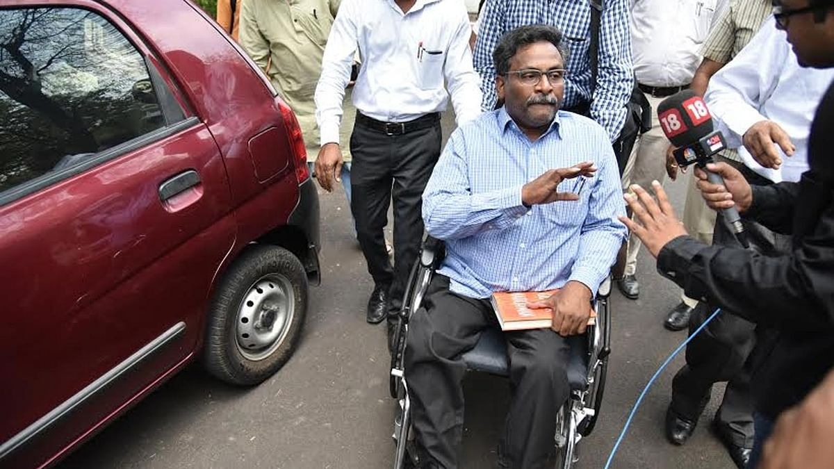 Artists, Academics Demand GN Saibaba Be Reinstated in DU College