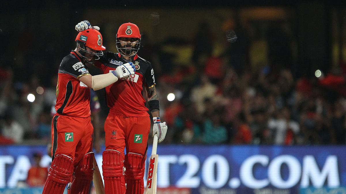 Virat Kohli and Travis Head of Royal Challengers Bangalore celebrate the win (Photo: BCCI)