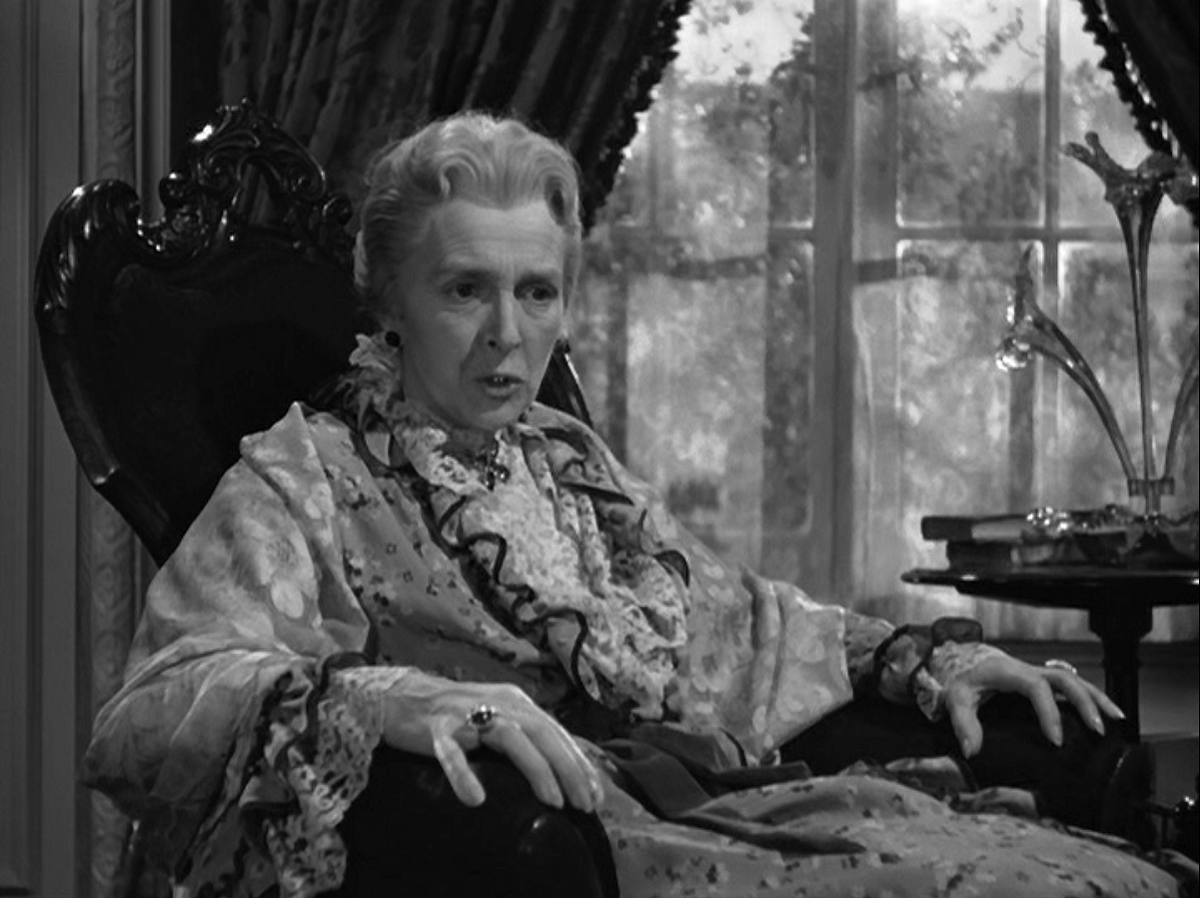 Gladys Cooper in <i>Now, Voyager</i>