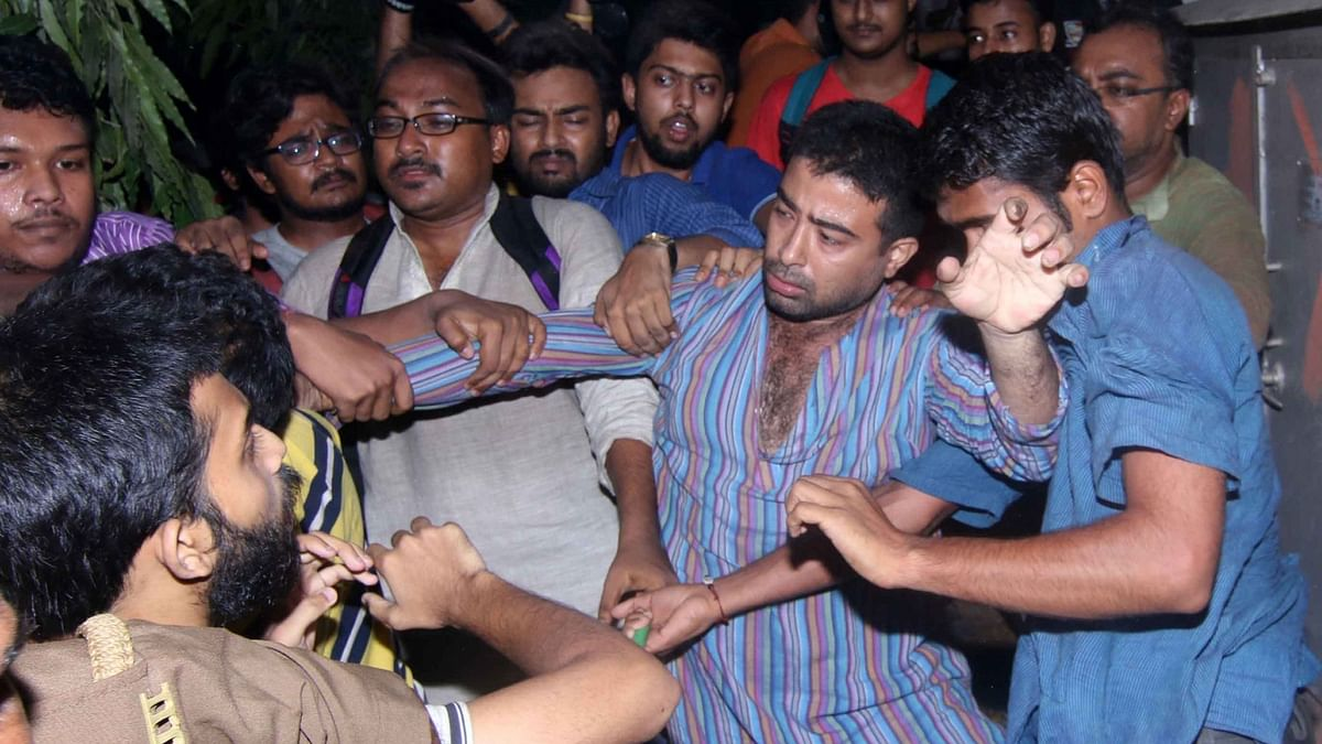 Filmmaker Vivek Agnihotri claimed he was manhandled and <i>gheraoed</i> by some students and that the glass pane of his car was shattered in the commotion. (Photo: IANS)