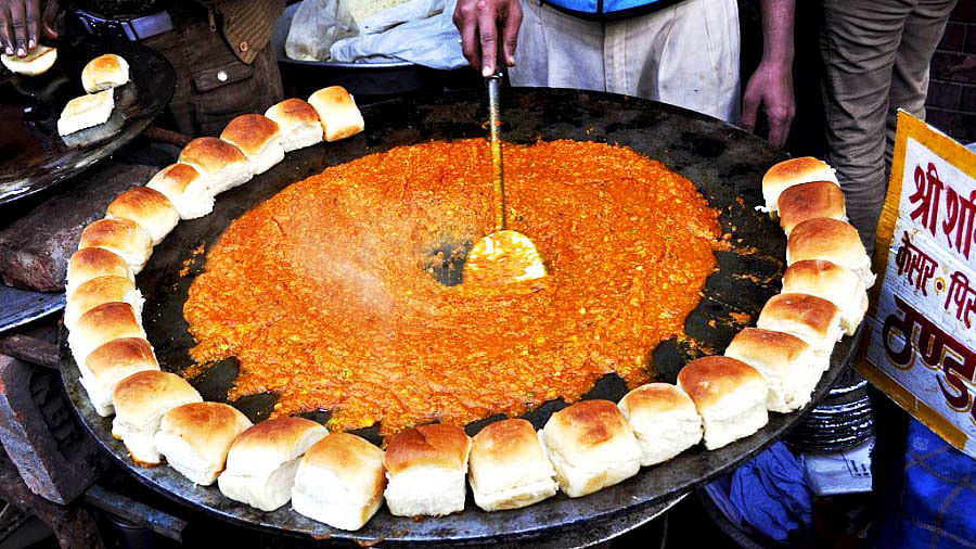 The 10 Yummilicious Indian Street Foods You Can't Live Without