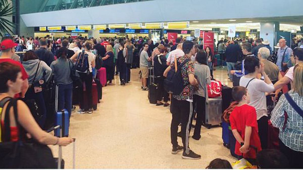 "Passengers were stranded at New York's John F Kennedy International airport. (Photo Courtesy: Twitter/<a href=""https://twitter.com/tritto"">@tritto</a>)"