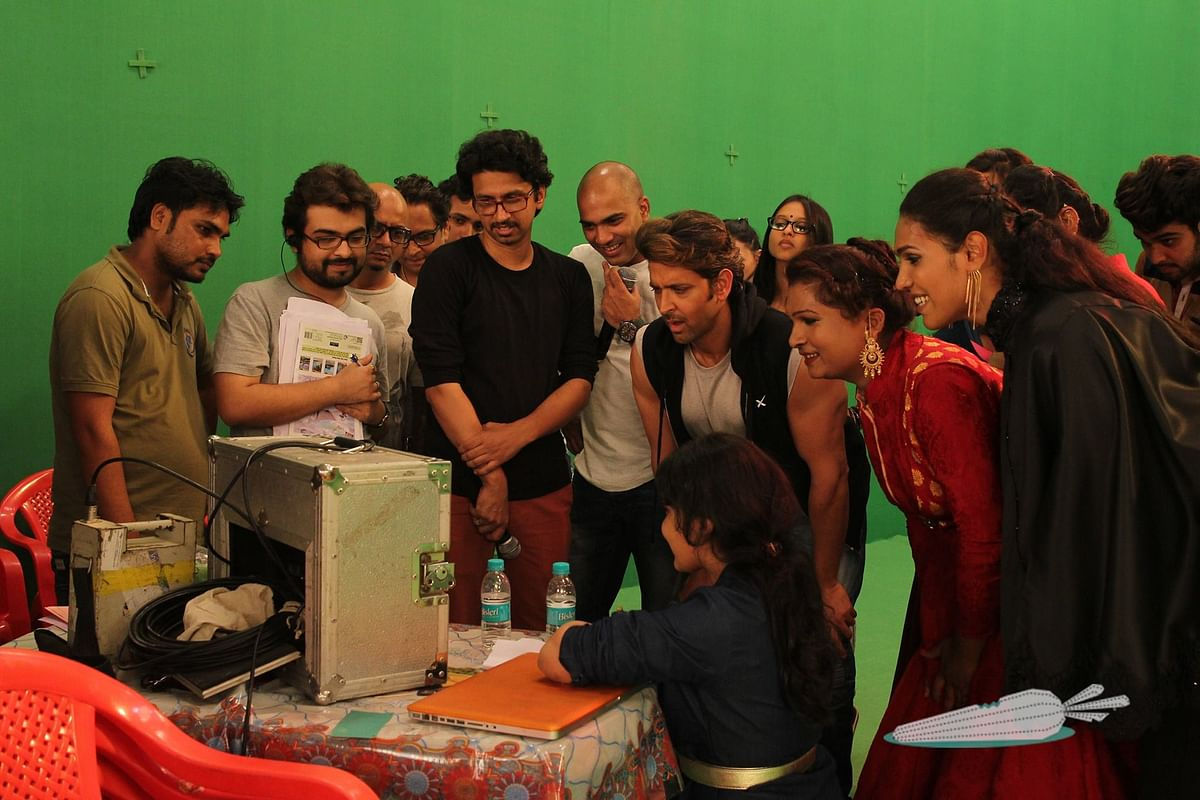 Hrithik Roshan reviews a shot during the filming (Photo: Facebook/Invisible Rabbit)