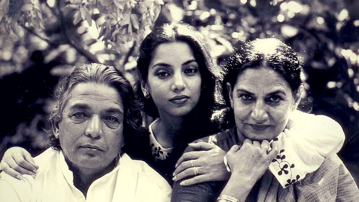 Poet Kaifi Azmi with daughter Shabana Azmi and wife Shaukat Azmi.