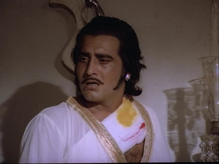 Vinod Khanna in a scene from Gulzar's <i>Meera </i>(1979)