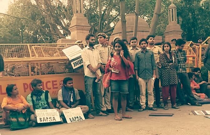 Hostel deadlines curb women's access to university and public resources. (Photo Courtesy: Facebook/Pinjra Tod)