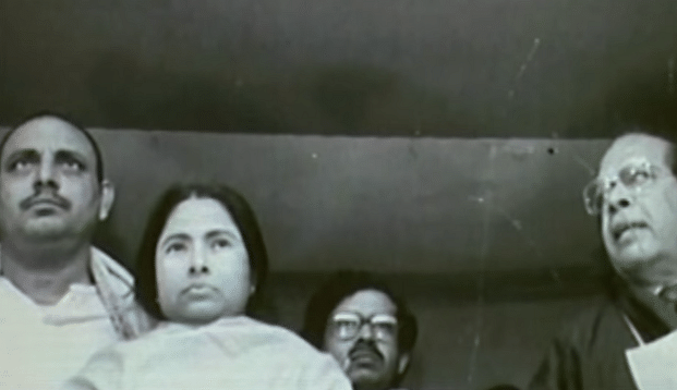 "Didi started her journey with the Congress party and became the General Secretary of Mahila Congress, West Bengal between 1976 and 1980. (Photo: Youtube screengrab/ <a href=""https://www.youtube.com/watch?v=Y0-MtWPY7pw"">Akash Banerjee</a>)"