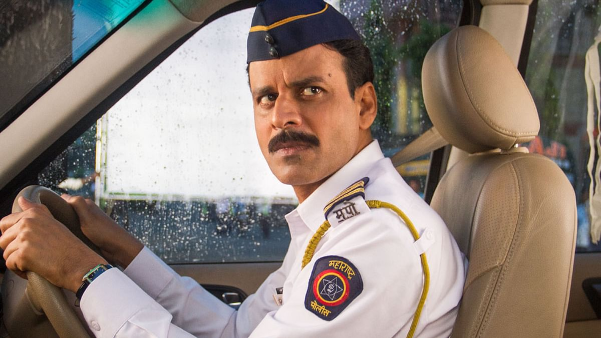 Manoj Bajpayee plays a constable in <i>Traffic</i> who has to transfer a heart from one location to another.