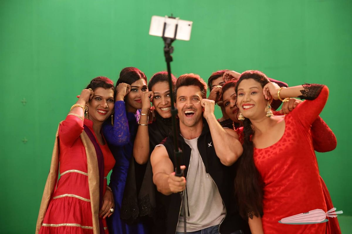 We love taking selfies: Hrithik Roshan poses with the <i>6 Pack Band </i>(Photo: Facebook/Invisible Rabbit)