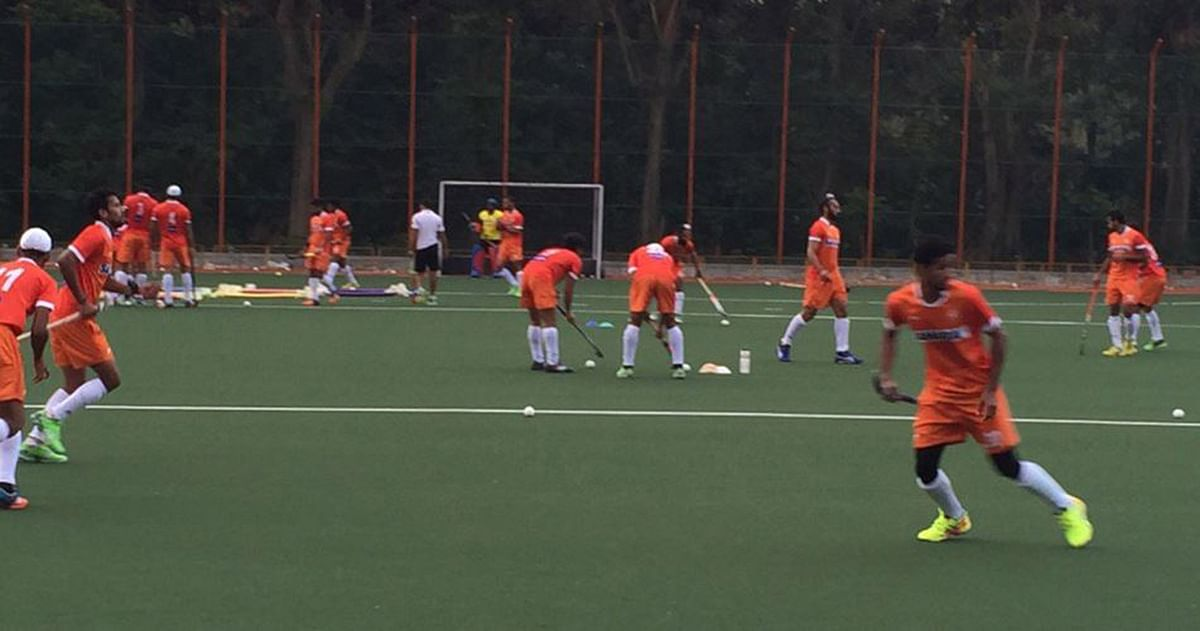 """The Indian Team training on  Greenfields field in SAI Centre Bangalore in preparation. (Courtesy: <a href=""""https://twitter.com/OltmansOltmans"""">Twitter/RoelantOltmans</a>)"""