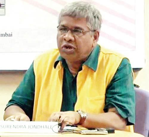 """Surendra Jondhale, head of the Civics and Politics department of Mumbai University. (Photo Courtesy: <i><a href=""""http://www.mid-day.com/articles/jawarharlal-nehru-missing-from-mu-textbook-while-mahatma-gandhi-bal-gangadhar-tilak-labelled-anti-secular/17240199"""">Mid-Day</a></i>)"""