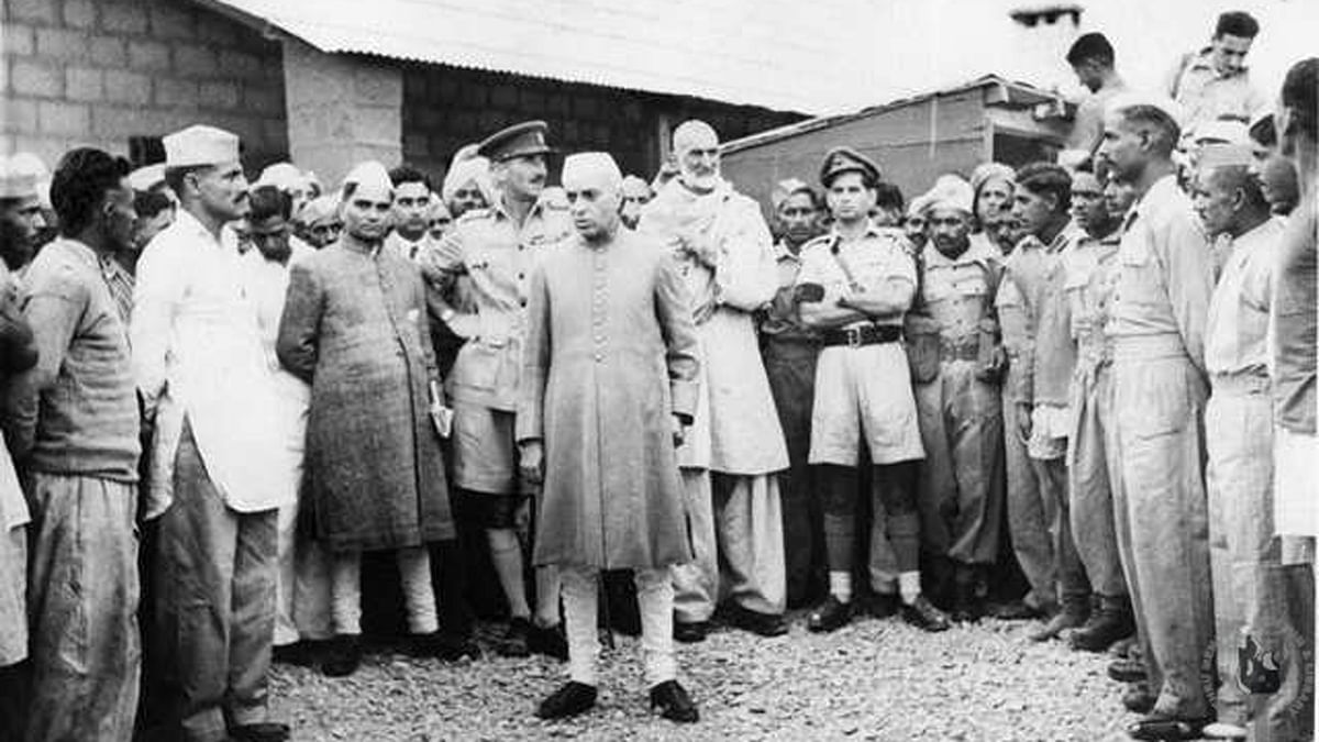 Jawaharlal Nehru with Abdul Ghaffar Khan at Wana during his visit to North West Frontier Province in October 1946. (Photo Courtesy: Nehru Memorial Library)