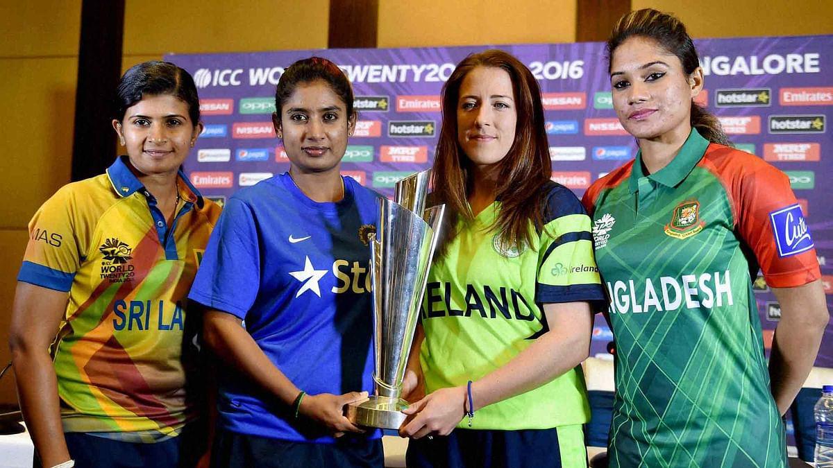 Indian Women's Cricket Team captain Mithali Raj, Sri Lanka captain Shashikala Siriwardene, Ireland Captain Isobel Joyce and Bangladesh captain Jahanara Alam with ICC World WT20 trophy (Photo: AP)