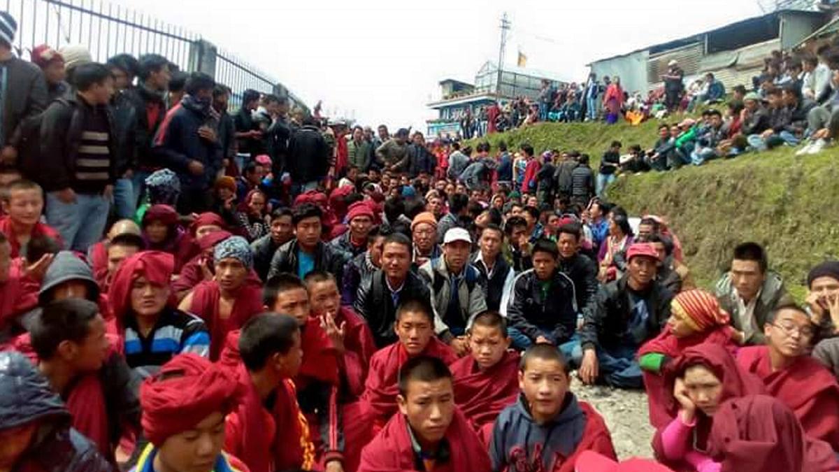 Peaceful protesters in Tawang region of Arunachal Pradesh on Monday, 2 May 2016. (Photo: Anjana Dutta)
