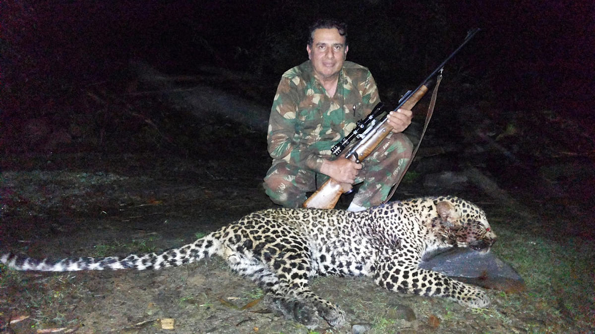 """'Nawab' Shafat Ali Khan who, along with two other professional hunters, were hired  by the Bihar government to kill  Nilgais across the state. (Photo:<a href=""""http://udumulasudhakarreddy.blogspot.in/2013/08/famed-hyderabad-nawab-shafat-ali-khan.html""""> Blogspot.com/SudhakarReddy</a>)"""