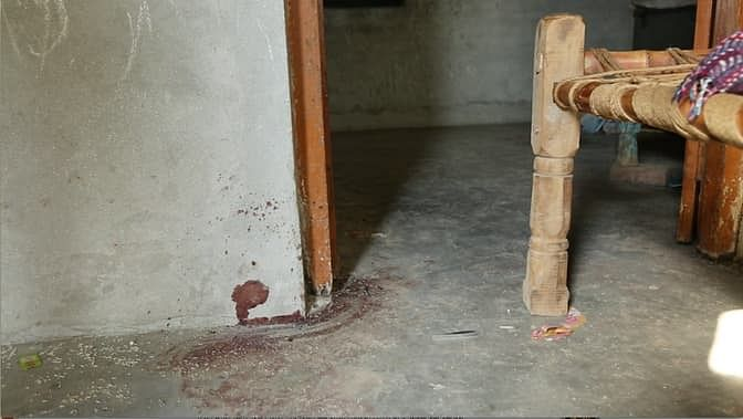 Mohammad Akhlaq's body was dragged out from the first floor onto the street. (Photo: <b>The Quint</b>)
