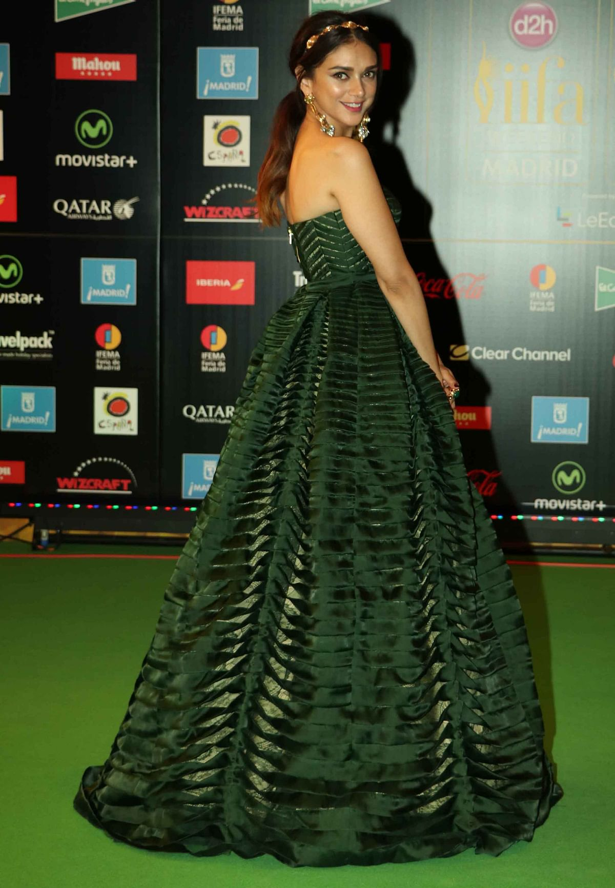Aditi Rao Hydari in  a Shantanu and Nikhil gown teaming it up with an Outhouse headband and earrings. (Photo: AP)