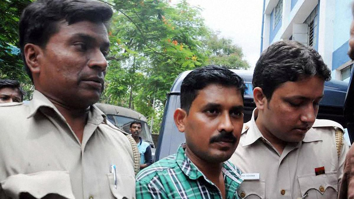 T Rajkumar Rao, the alleged kingpin in the kidney trade racket produced before a court in North 24 Pargana district of West Bengal on Wednesday, 8 June 2016. (Photo: PTI)