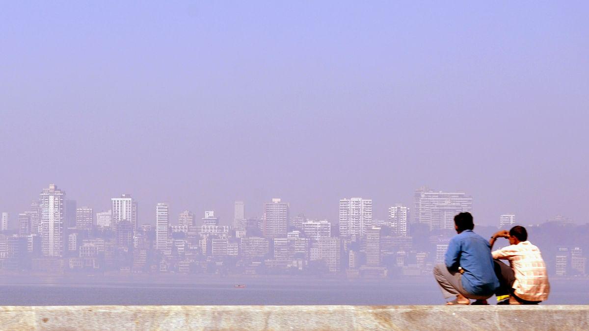 "Polluted Mumbai on the horizon. (Photo Courtesy: Flickr/<a href=""https://www.flickr.com/photos/uopfindsomt/"">Emma Jespersen</a>)"