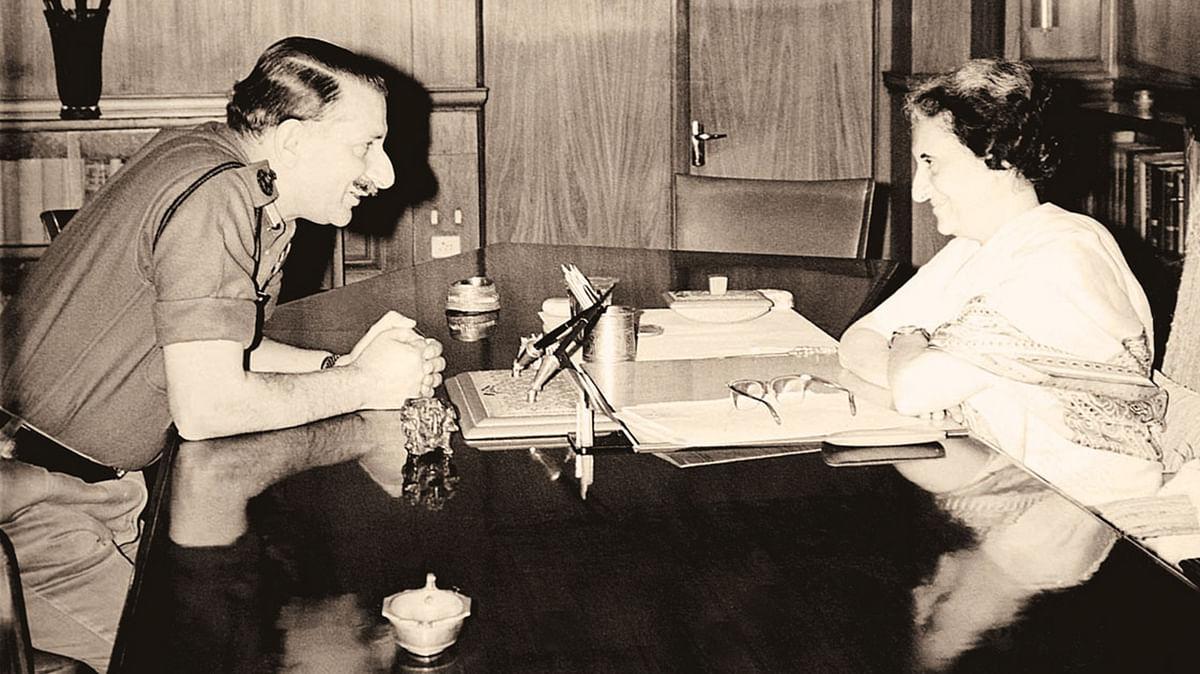 """Sam Manekshaw with former prime minister Indira Gandhi. (Photo Courtesy: <a href=""""http://www.niyogibooksindia.com/wp-content/uploads/2014/04/Sam-Manekshaw-book-2.jpg"""">niyogibooksindia</a>)"""