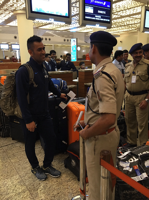 Young India in Zimbabwe: Jawaan Dhoni Cuts Line, Takes a Selfie!