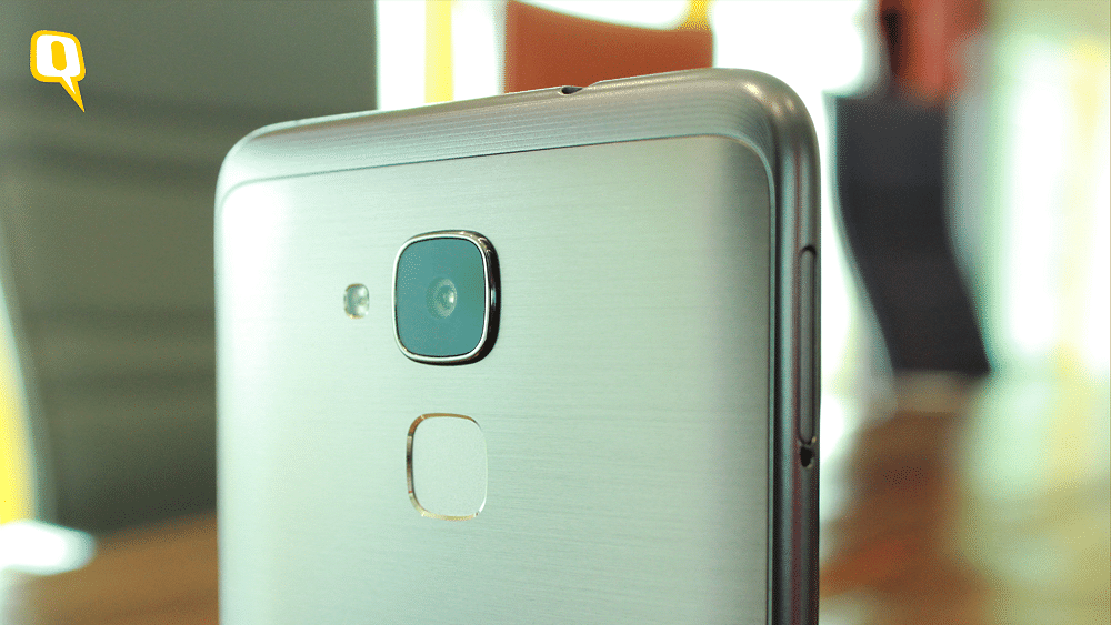 Huawei Honor 5C features a 13 megapixel camera and a fingerprint scanner  (Photo: <b>The Quint</b>)