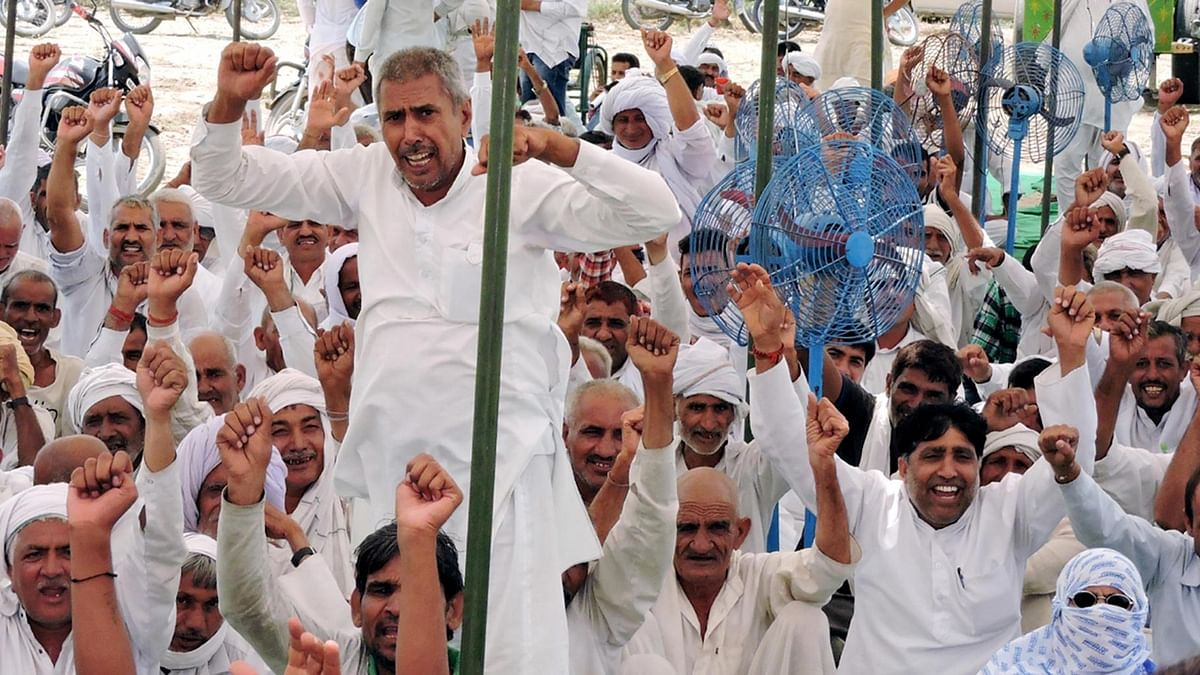Jats stage a demonstration against to press for their demands in Rohtak on Tuesday, 7 June 2016. (Photo: IANS)