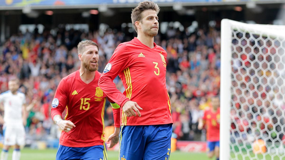 Club soccer rivals, Sergio Ramos and Gerard Pique (Photo: AP)